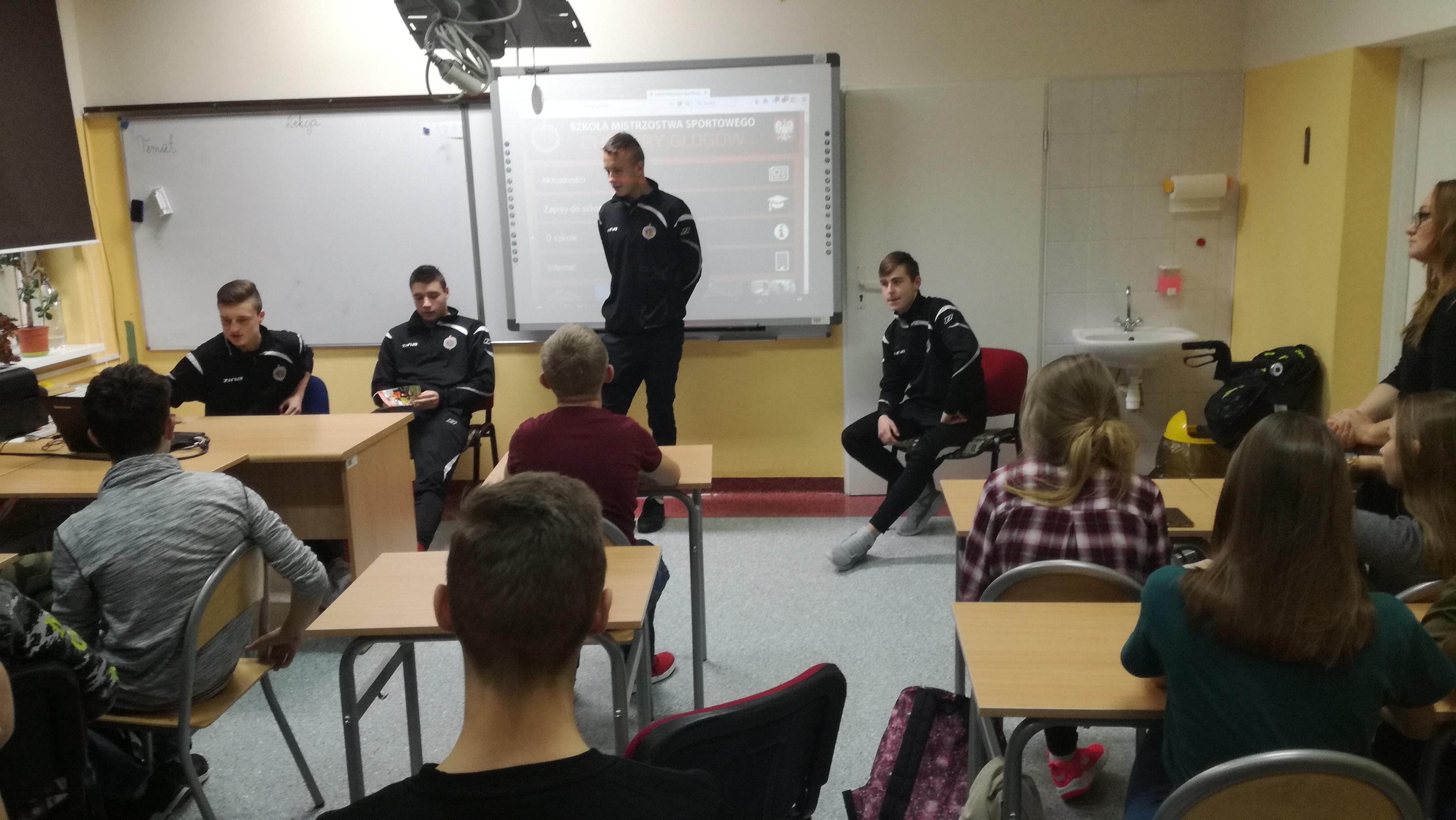 Wizyta uczniów Szkoły Mistrzostwa Sportowego Chrobry Głogów w Jerzmanowej